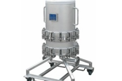 Trolley-mounted-multi-cartridge-filter-housing-for-corrosive-applications.